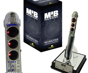 Men In Black Neuralyzer Replica Doesn't Work. Or Does It? I Can't Remember.