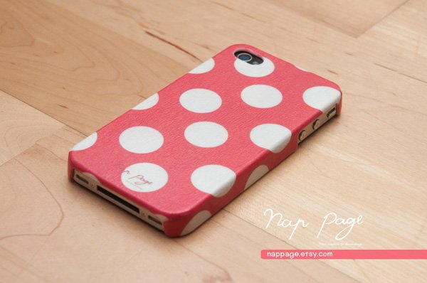 nappage-red-polkadots-iphone