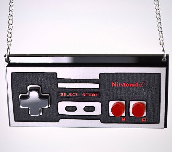 nes_controller_necklace