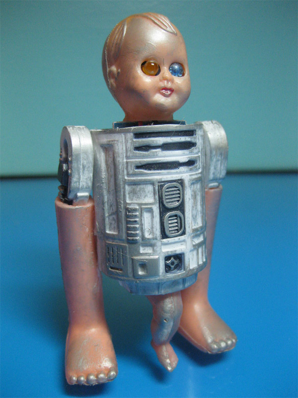 r2 d2 creepy doll