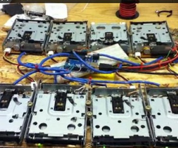 James Bond Theme Played on Floppy Drives: Double-Sided, Double-Density, 007