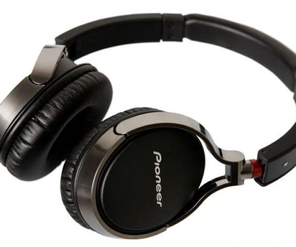 Pioneer SE-MJ591 & SE-NC21M Headphones Offer Clean Looks, Sounds