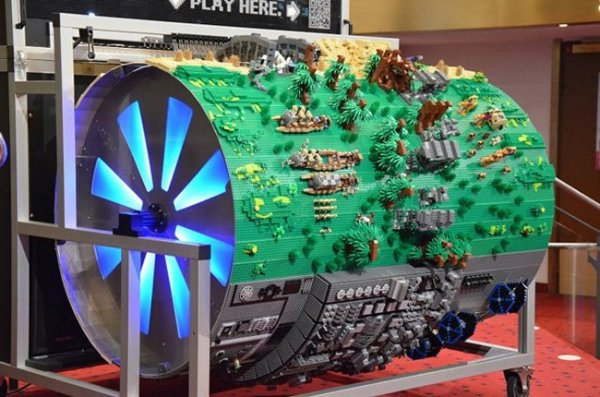 Best star wars lego diorama ever even plays the theme for Motor wars 2 hacked