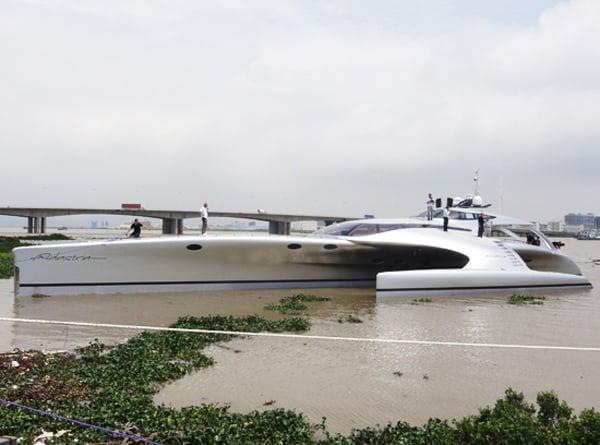 adastra super yacht ipad remote control boat