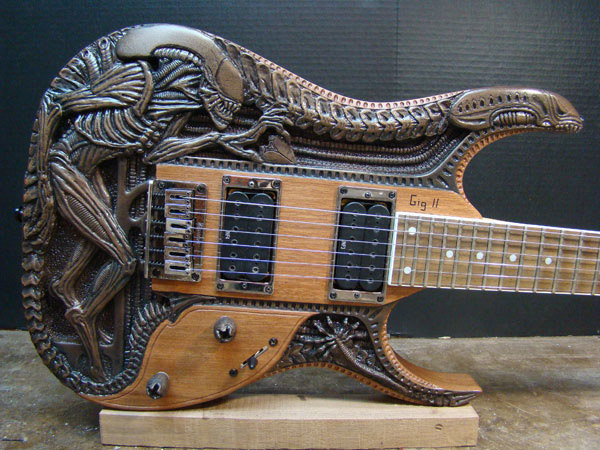 alien_guitar_1