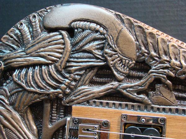 alien_guitar_2