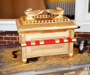 Ark of the Covenant Cake: Eat It with Your Eyes Closed