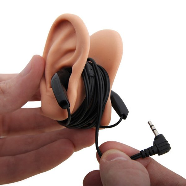 earphone-fake-ear-tidy-cord