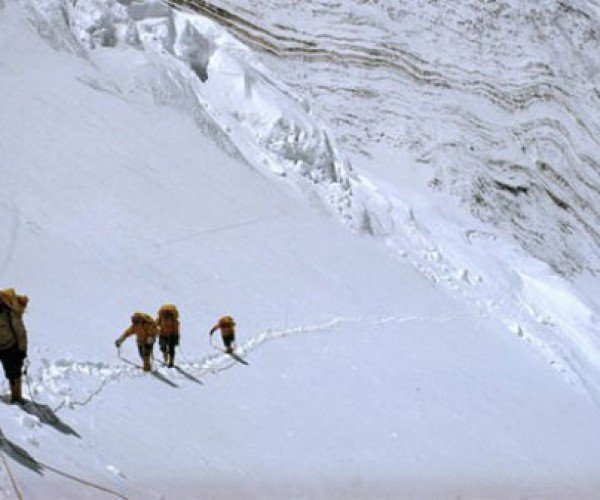 Mount Everest Climbers to Detail Adventure Via iPad App