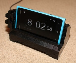 LEGO Dock for Nokia Lumia 900 Lets You Safely Brick Your Phone