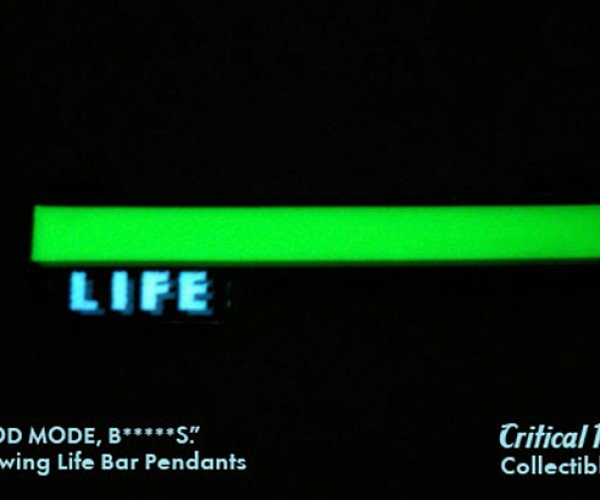 life bar necklace by critical hit collectibles 2