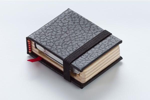 pad-quill-littlest-black-book-ipod-nano-closed