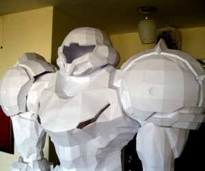 Papercraft Samus Aran is Taller Than You