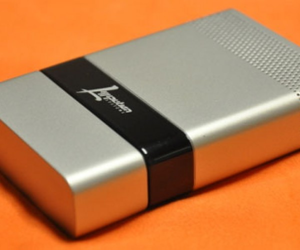 Butane-Powered Fuel Cell Can Charge an iPhone for Weeks