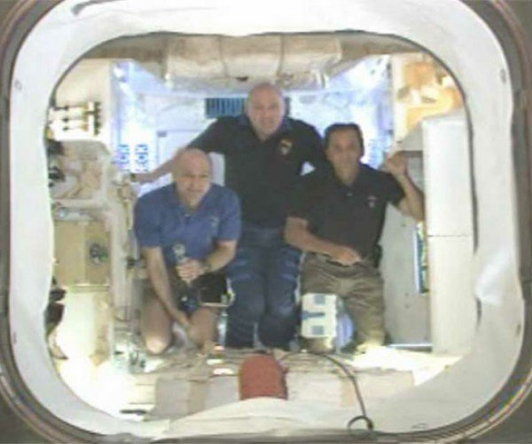 SpaceX Dragon Capsule Has New Car Smell