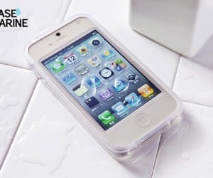 Gooma Case Marine Keeps Smartphones Nice and Dry