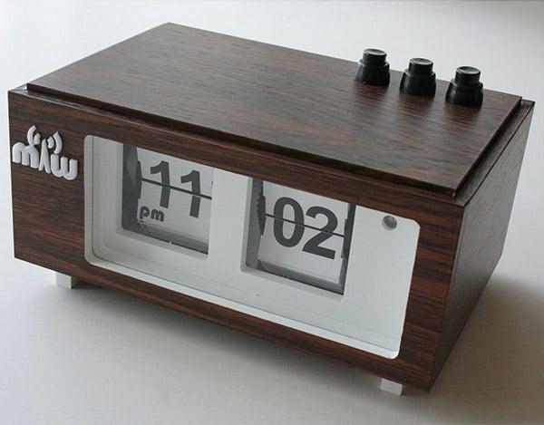 handmade_flip_clock_1