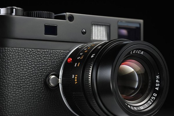 leica m monochrom camera side