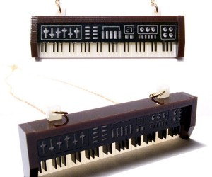Synthesizer Necklace Incapable of Playing a Bad Note