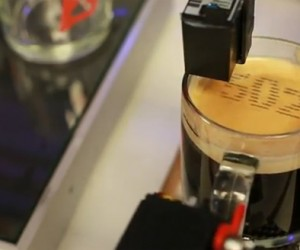 Text-Enabled Espresso Machine Prints Your Number on Foam