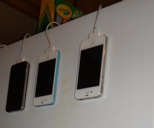 MagSkin Lets You Stick Your iDevice on Your Fridge, and Then Some