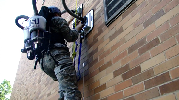 Personnel Vacuum Assisted Climber