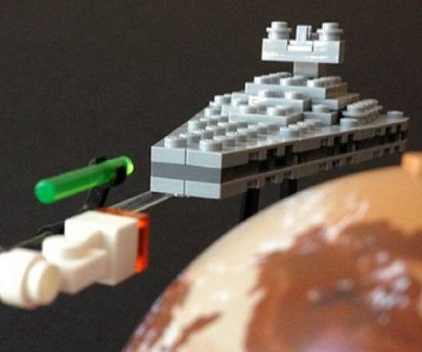 Classic Sci-Fi Scenes Get the LEGO Treatment