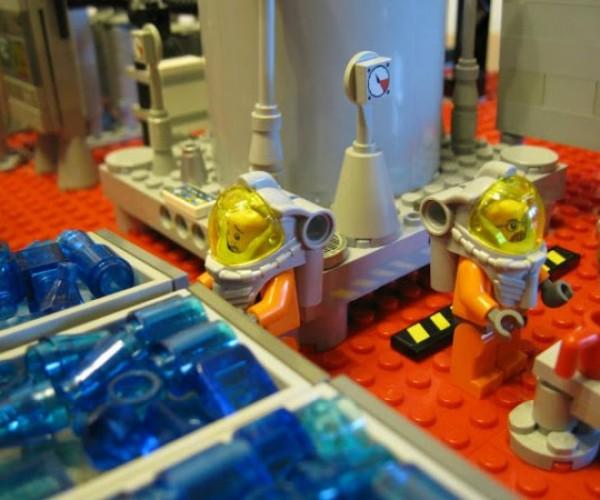 LEGO Breaking Bad Meth Lab: Breaking Bricks