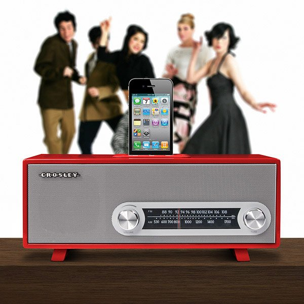 crosley ranchero retro iphone radio dock dancing