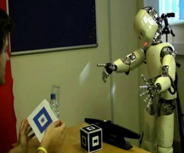 iCub Robot Learns to Talk Like a Baby