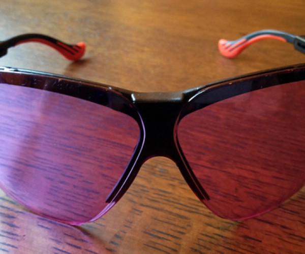 O2Amp Mood Divining Glasses Let You See How Others are Feeling