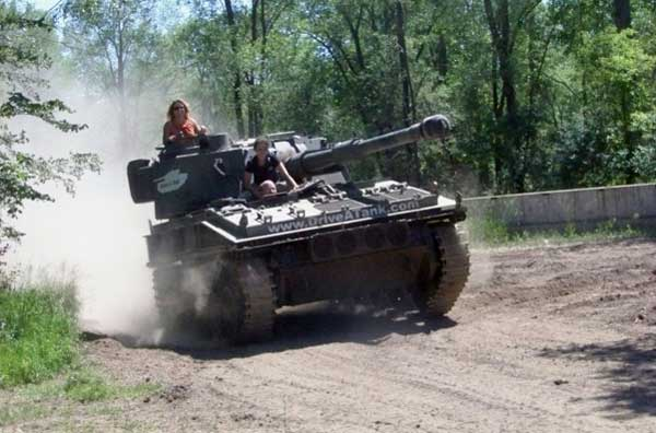 Drive A Tank >> Theme Park Lets You Drive Your Own Tank Technabob