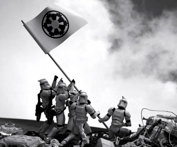 Clone Troopers Recreate Famous Scenes