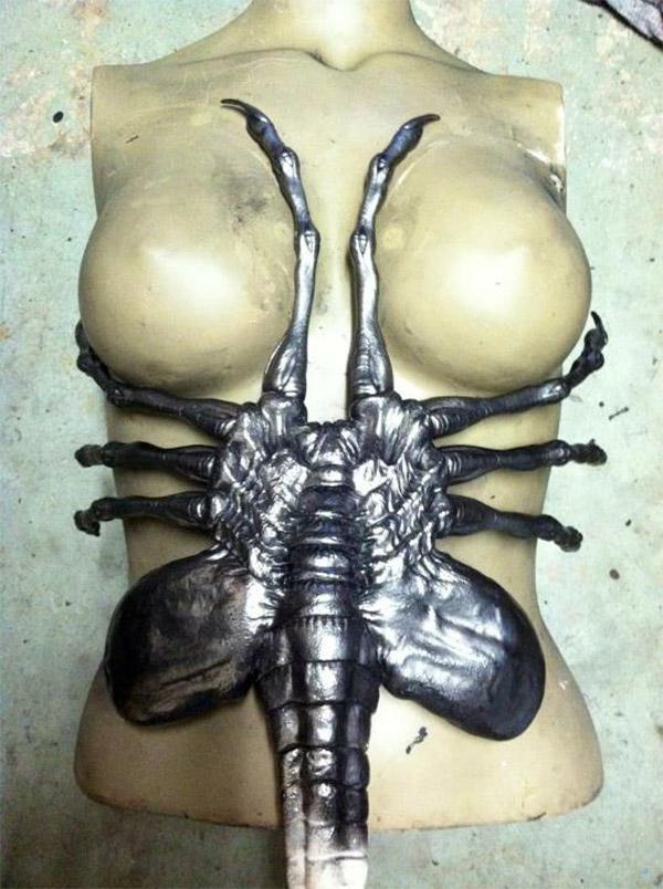 facehugger_corset_2