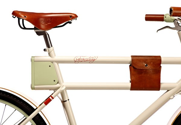 faraday porteur electric bicycle close