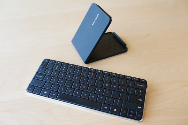 microsoft wedge touch keyboard mouse open