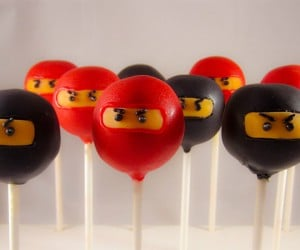 Ninja Cake Pops: Are You Quick Enough to Pop Them in Your Mouth?