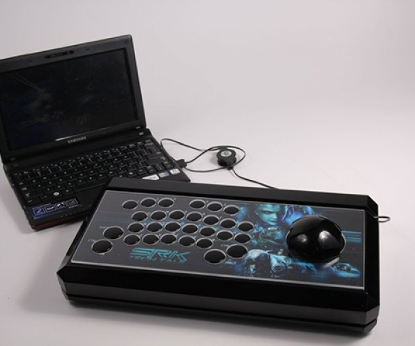 Modder Builds the Ultimate Arcade Joystick for… Starcraft II?!