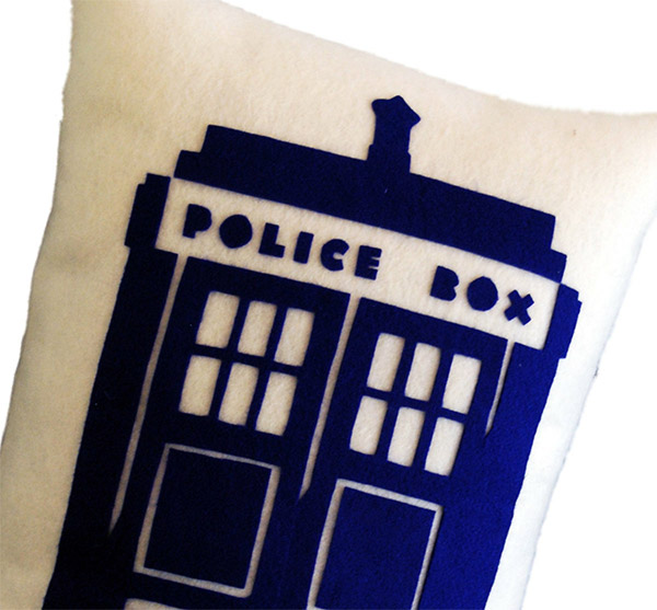 tardis_pillow