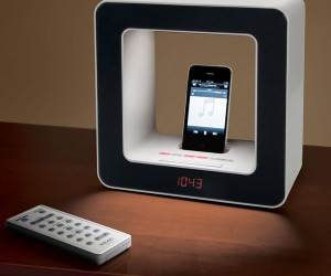 TEAC SR-LUXi iPhone Alarm Clock Wakes You With Light