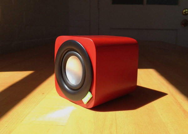 1q vers audio speaker bluetooth kickstarter mobile wood
