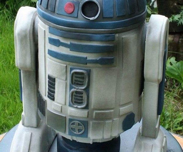 R2-D2 Cake Looks Droid-licious