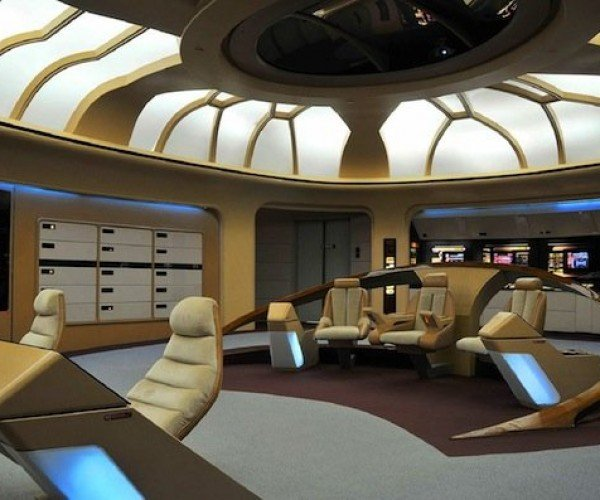 Trekkies to Restore Next Generation Bridge