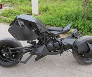 Batpod Motorcycle Replica Built from Junk