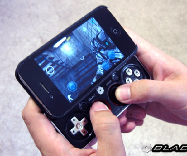 Bladepad iPhone 4S Gamepad Comes With a Case, Doesn't Come With a Game
