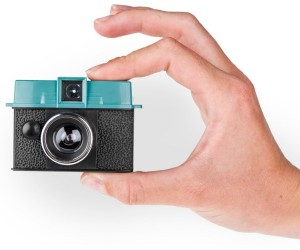 Lomography Diana Baby 110: This Lomo Fits in the Palm of Your Hand