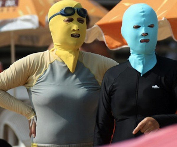 The Chinese Face-Kini: Wrestling, Robberies, and Sun Protection!