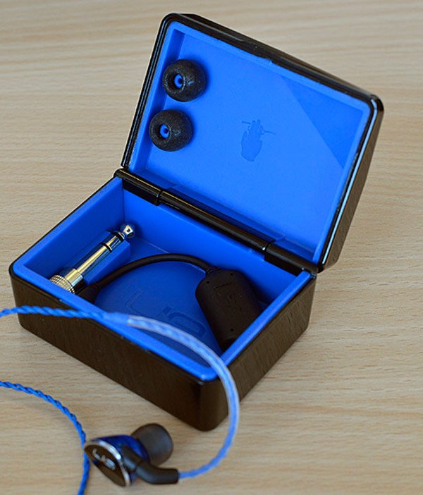 logitech ultimate ears ue headphones earphones mobile audio