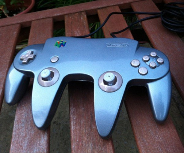 Extra-Wide N64 Controller Mod Has Double the Sticks, Double the Size