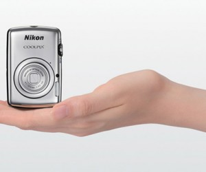 Nikon COOLPIX S01: The Teeny Tiny Camera